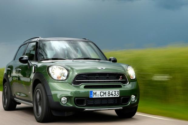 2016 Mini Countryman: New Car Review featured image large thumb0