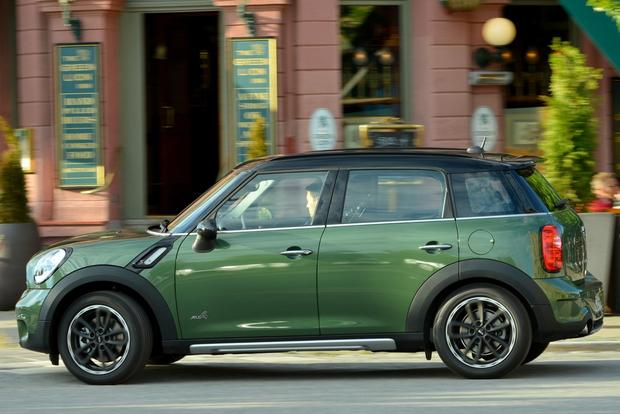 2016 Mini Countryman: New Car Review featured image large thumb2