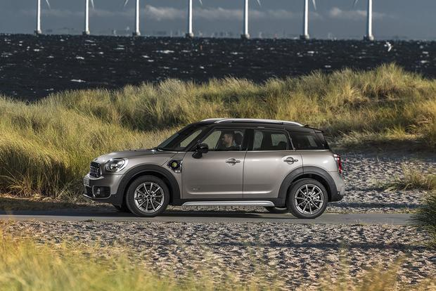 2013 Mini Countryman: New Car Review featured image large thumb6