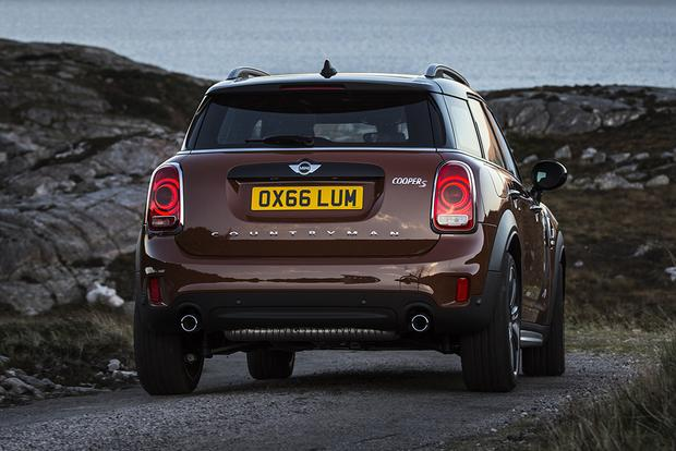 2013 Mini JCW Countryman: OEM featured image large thumb12