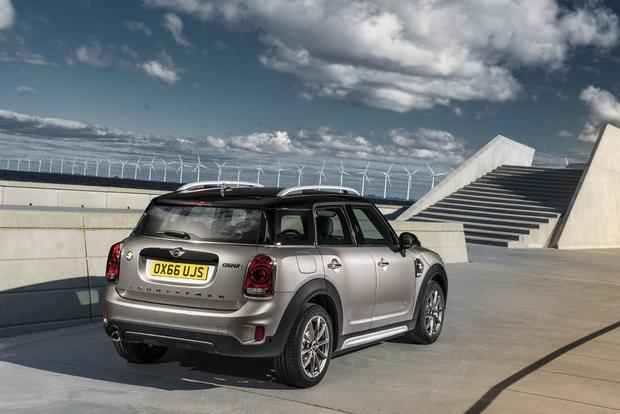 2013 Mini JCW Countryman: OEM featured image large thumb7