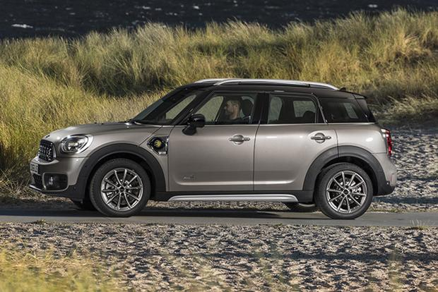 2013 Mini JCW Countryman: OEM featured image large thumb10