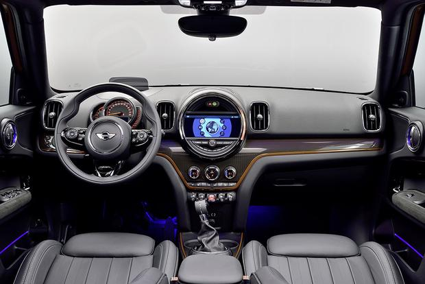 2013 Mini Countryman: New Car Review featured image large thumb13