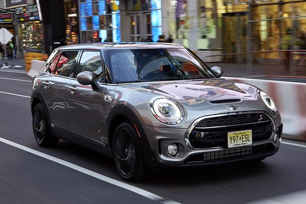 2017 Mini Countryman vs. 2017 Mini Clubman: What's the Difference? featured image large thumb2