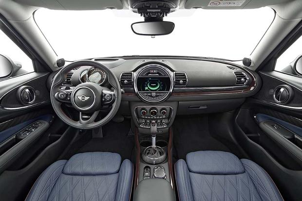 2013 Mini JCW Countryman: OEM featured image large thumb25