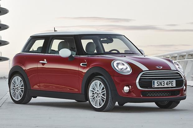 2015 Mini Cooper Hardtop: New Car Review featured image large thumb1