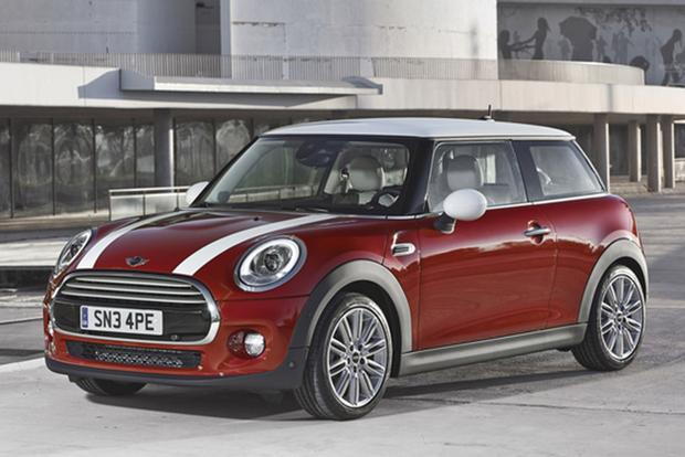 2013 vs. 2014 Mini Cooper Hardtop: What's the Difference? featured image large thumb1