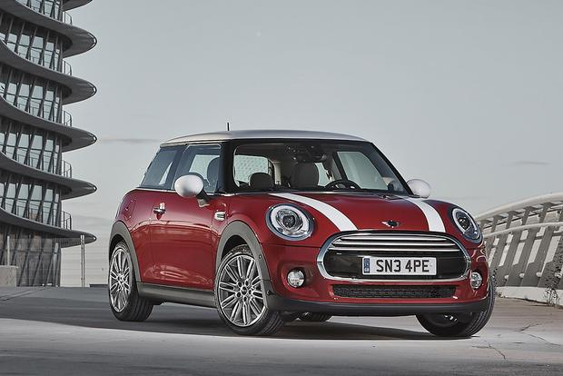 2013 vs. 2014 Mini Cooper Hardtop: What's the Difference? featured image large thumb7