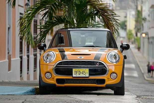 2016 Mini Cooper Hardtop: New Car Review featured image large thumb3