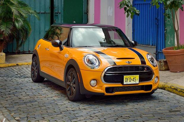 2016 Mini Cooper Hardtop New Car Review Featured Image Large Thumb0