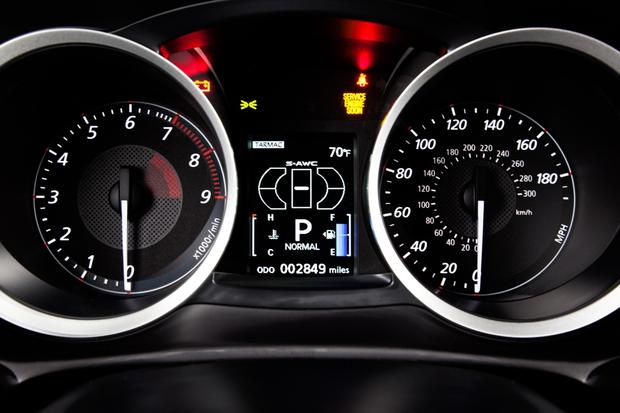 2013 Mitsubishi Lancer Evolution: New Car Review featured image large thumb7
