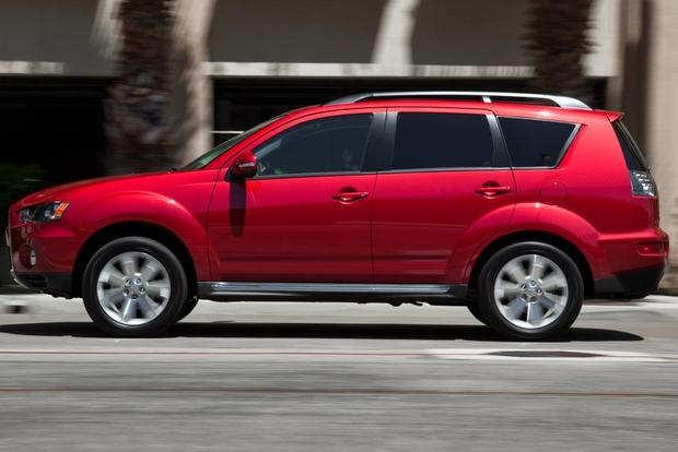 2013 Mitsubishi Outlander: New Car Review featured image large thumb13