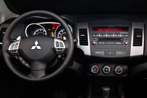 2013 Mitsubishi Outlander: New Car Review featured image large thumb16
