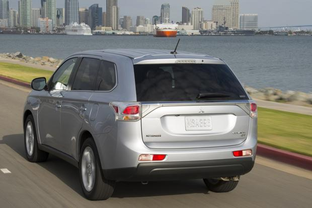2014 Mitsubishi Outlander: New Car Review featured image large thumb1