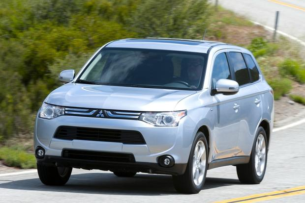2014 Mitsubishi Outlander: New Car Review featured image large thumb2