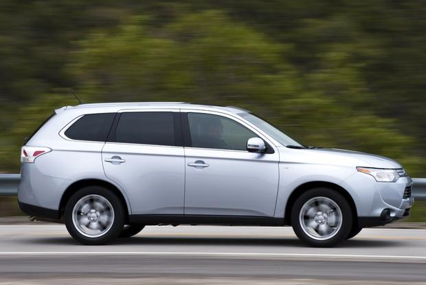 2014 Mitsubishi Outlander: New Car Review featured image large thumb3