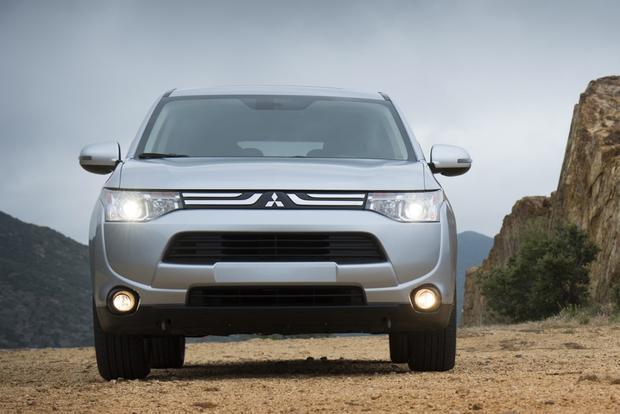 2014 Mitsubishi Outlander: New Car Review featured image large thumb4