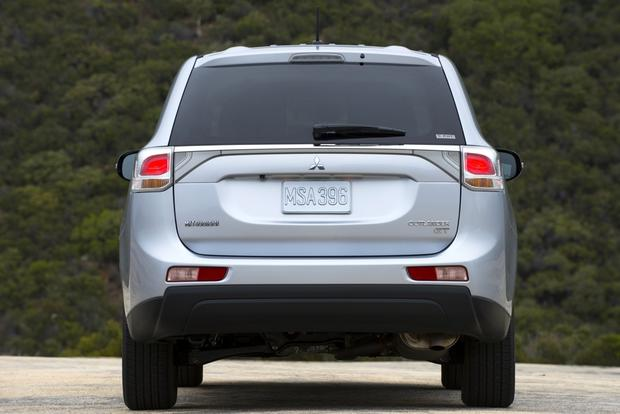 2014 Mitsubishi Outlander: New Car Review featured image large thumb5