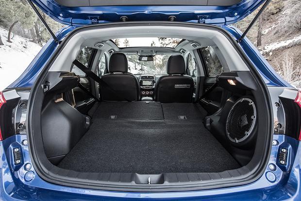 2015 mitsubishi outlander sport new car review featured image large thumb5 - Mitsubishi Outlander Sport 2015 White