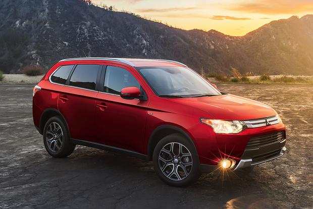 2015 Mitsubishi Outlander: New Car Review featured image large thumb4