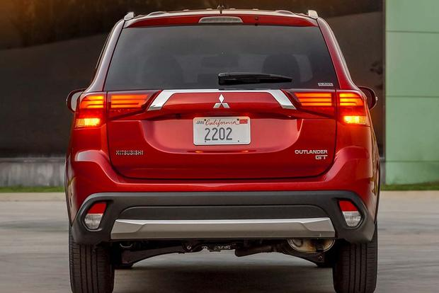 2016 Mitsubishi Outlander: New Car Review featured image large thumb4
