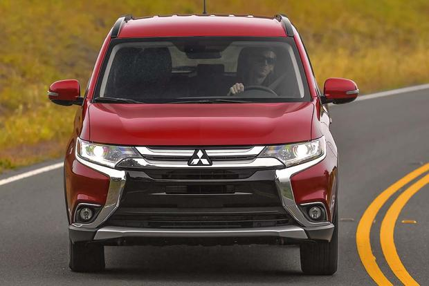 2016 Mitsubishi Outlander: New Car Review featured image large thumb2