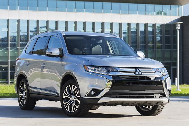 2018 Mitsubishi Outlander: New Car Review featured image large thumb8