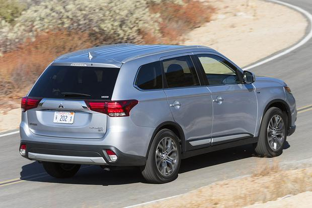 2018 Mitsubishi Outlander: New Car Review featured image large thumb5