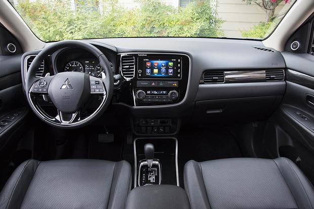 2018 Mitsubishi Outlander New Car Review Featured Image Large Thumb5