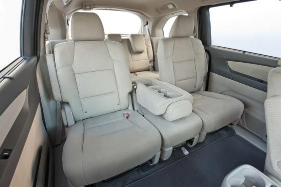 2011 Honda Odyssey - New Car Review featured image large thumb13