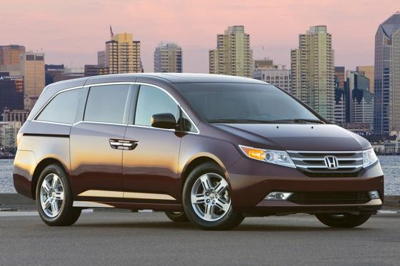 2011 Honda Odyssey - New Car Review featured image large thumb0
