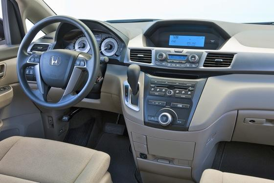 2011 Honda Odyssey - New Car Review featured image large thumb6