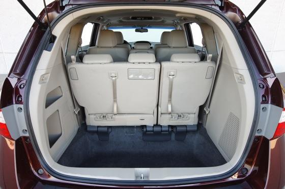 2011 Honda Odyssey - New Car Review featured image large thumb9