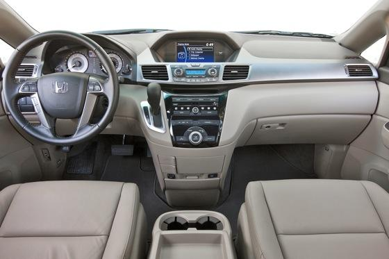 2011 Honda Odyssey - New Car Review featured image large thumb5