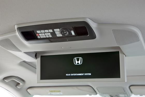 2011 Honda Odyssey - New Car Review featured image large thumb15