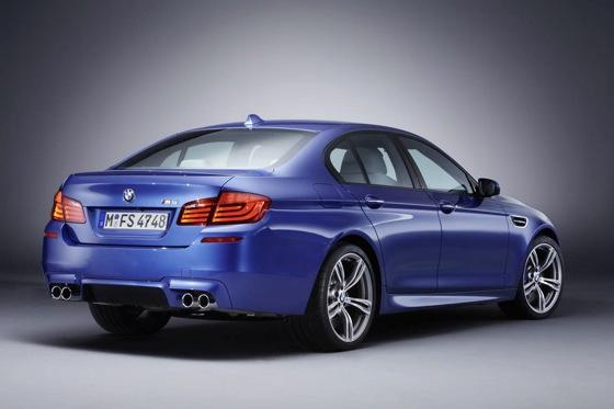 First Drive: 2013 BMW M5 featured image large thumb1