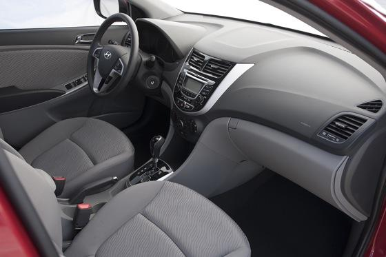 2012 Hyundai Accent: First Drive featured image large thumb34