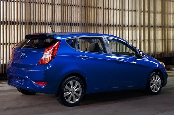 2012 Hyundai Accent: First Drive featured image large thumb16