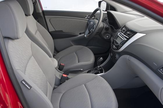 2012 Hyundai Accent: First Drive featured image large thumb33