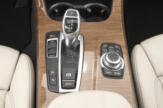 2011 BMW X3 - New Car Review featured image large thumb24