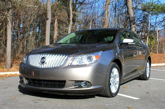 2013 Buick LaCrosse: New Car Review featured image large thumb1