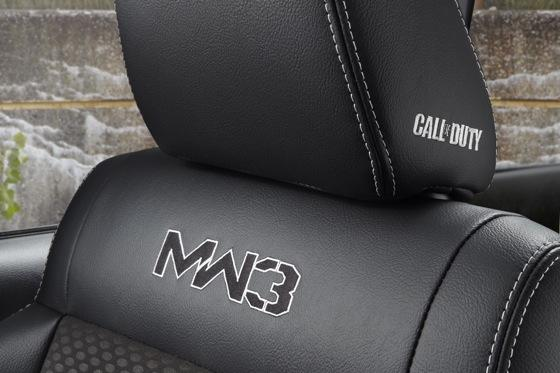 Jeep Unveils 2012 Wrangler Call of Duty featured image large thumb11
