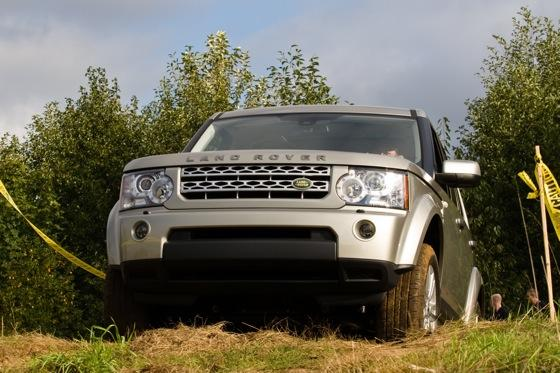 2013 Land Rover LR4: New Car Review featured image large thumb12