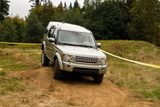 2013 Land Rover LR4: New Car Review featured image large thumb13