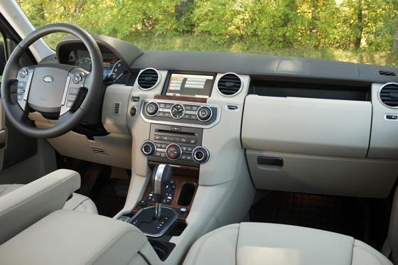 2013 Land Rover LR4: New Car Review featured image large thumb15