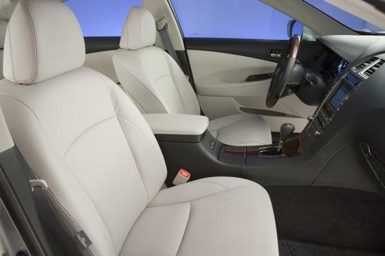 2003-2006 Lexus RX 330: Used Car Review featured image large thumb13
