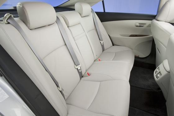 2003-2006 Lexus RX 330: Used Car Review featured image large thumb15
