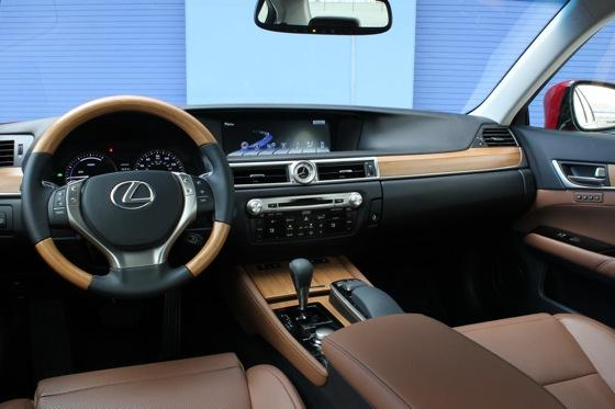 2013 Lexus GS: New Car Review featured image large thumb14