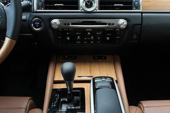 2013 Lexus GS: New Car Review featured image large thumb20