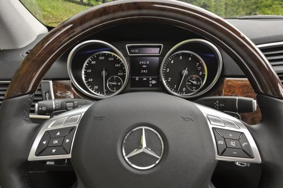 2012 Mercedes-Benz M-Class: First Look featured image large thumb4